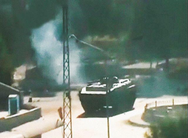 Συρία: Αρματα μάχης περικύκλωσαν δύο πόλεις | tovima.gr
