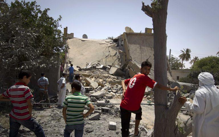 Λιβύη: «Δεκάδες παιδιά σκοτώθηκαν από βομβαρδισμό του ΝΑΤΟ» | tovima.gr