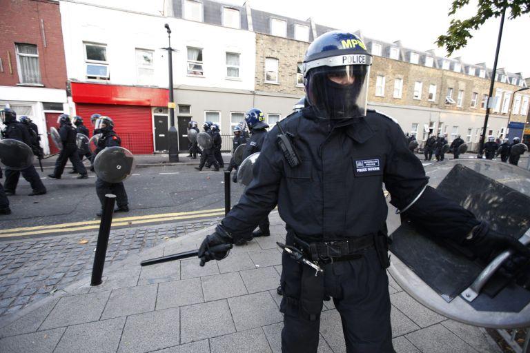 Ντ. Κάμερον: αναπτύσσει στο Λονδίνο 16.000 αστυνομικούς | tovima.gr