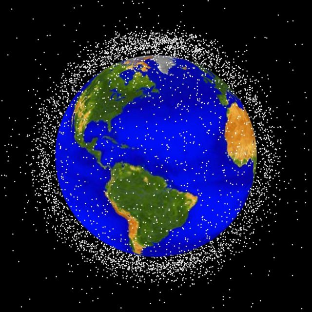 Διαστημικά σκουπιδιάρικα θα καθαρίσουν τη Γη | tovima.gr