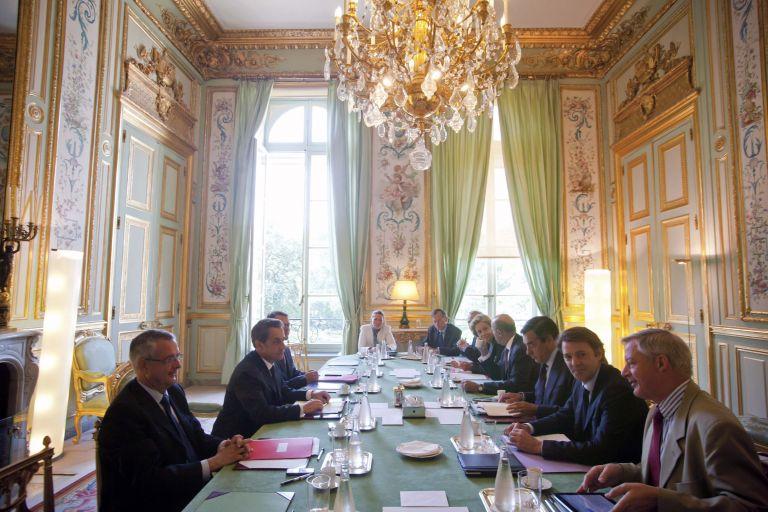 Γαλλία: στις 24 Αυγούστου τα μέτρα για τη μείωση του ελλείμματος | tovima.gr