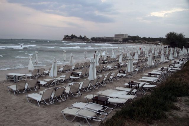 """Draft for """"privatization"""" of beaches and shoreline condemned worldwide   tovima.gr"""