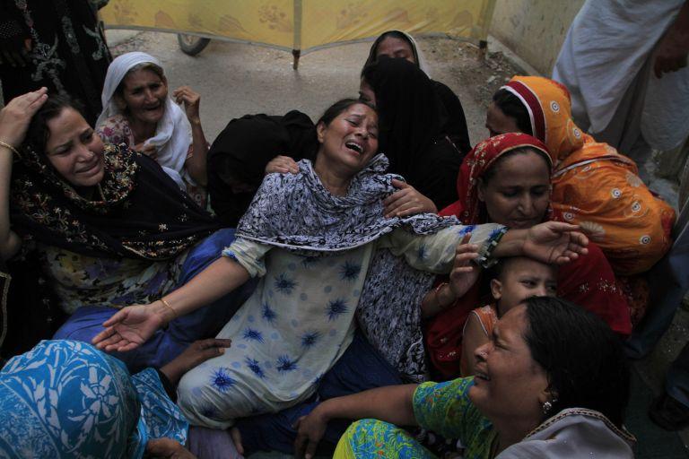 Πακιστάν: 48 άνθρωποι έχασαν τη ζωή τους από έκρηξη σε τζαμί | tovima.gr