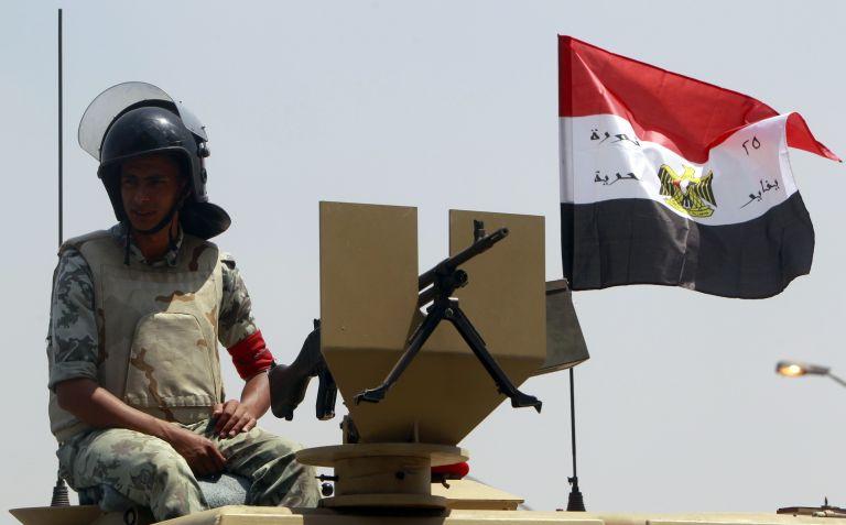 Αυξάνεται η παρουσία του αιγυπτιακού στρατού στο Σινά | tovima.gr