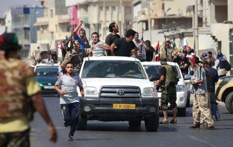 Η μάχη για την Τρίπολη συνεχίζεται – χαμένα τα ίχνη του Καντάφι | tovima.gr