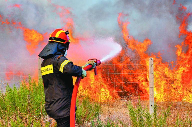 Υπό έλεγχο η πυρκαγιά στο Ηράκλειο, φωτιά και στη Σιθωνία   tovima.gr
