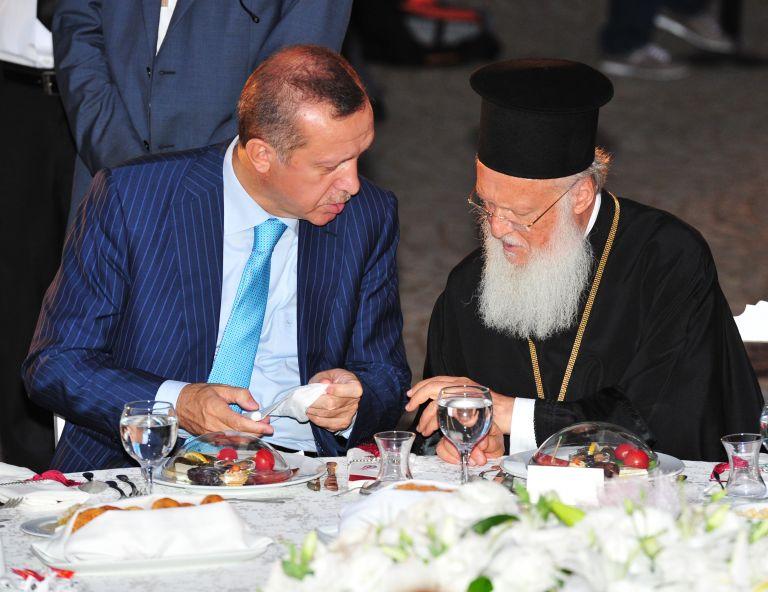 Ο Ερντογάν επιστρέφει ελληνικές περιουσίες | tovima.gr