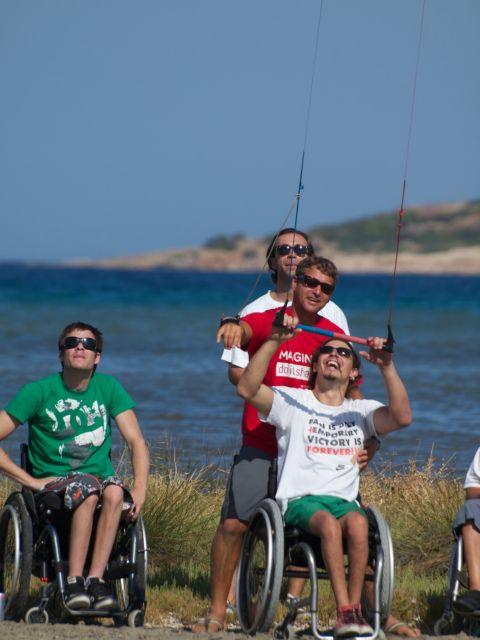 Νικώντας την αναπηρία με έναν…αετό   tovima.gr