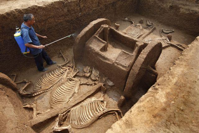 Κίνα: Στο φως αρχαία αντικείμενα από την περιοχή του Σιονγκάν | tovima.gr