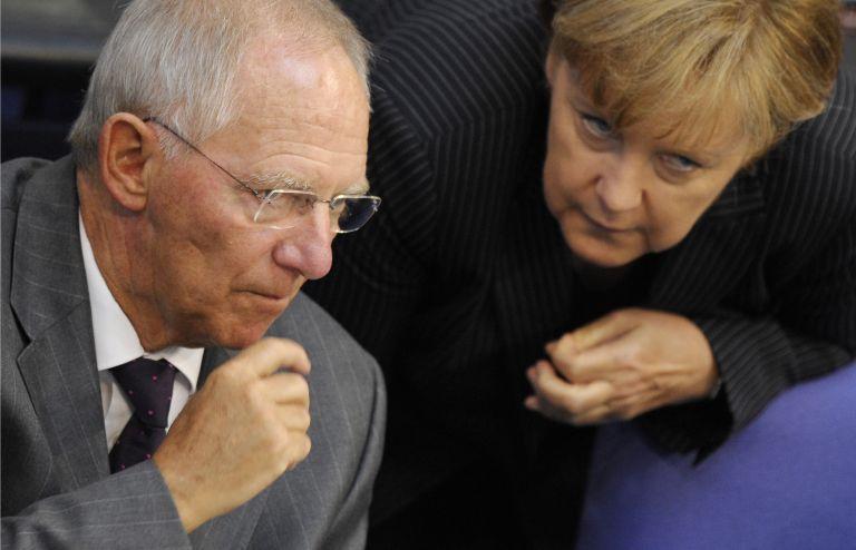Μέρκελ-Σόιμπλε: Υπερασπίζονται την ΕΚΤ στο θέμα της αγοράς ομολόγων | tovima.gr
