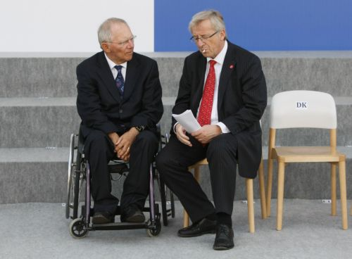 Schäuble and Juncker disagree whether an agreement by 20 August is possible | tovima.gr