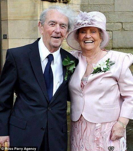 Ξαναβρέθηκαν μέσω Διαδικτύου και παντρεύτηκαν μετά από 65 χρόνια | tovima.gr