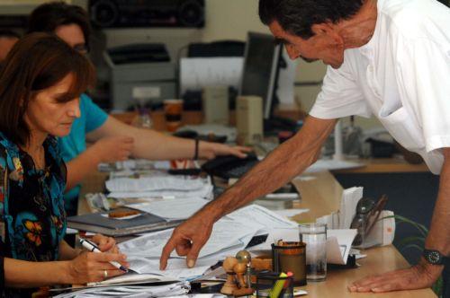 Με βάση περιγράμματα θέσεων οι απολύσεις 150.000 δημόσιων υπαλλήλων | tovima.gr