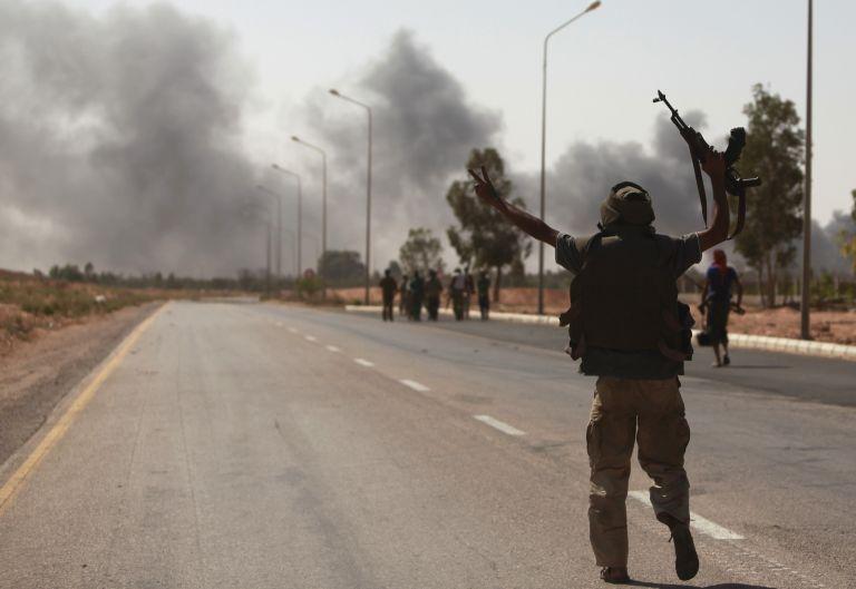 Λιβύη: Οι αντικαθεστωτικοί έχουν προωθηθεί στη Σύρτη | tovima.gr