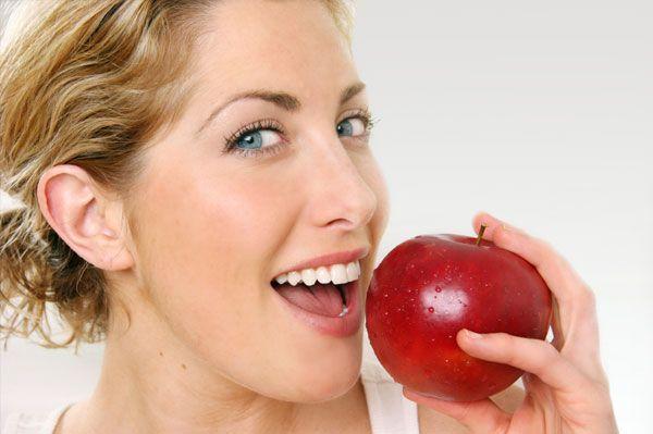 Τα μήλα καταστρέφουν τα δόντια περισσότερο από τα αναψυκτικά! | tovima.gr