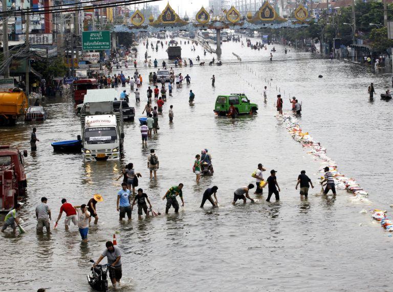 Μιανμάρ: 60 άνθρωποι αγνοούνται λόγω υπερχείλισης ποταμού | tovima.gr
