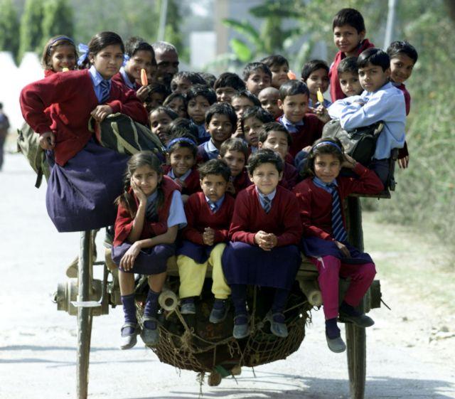 Ινδία: Από φτωχές οικογένειες το 25% των μαθητών ιδιωτικών σχολείων | tovima.gr