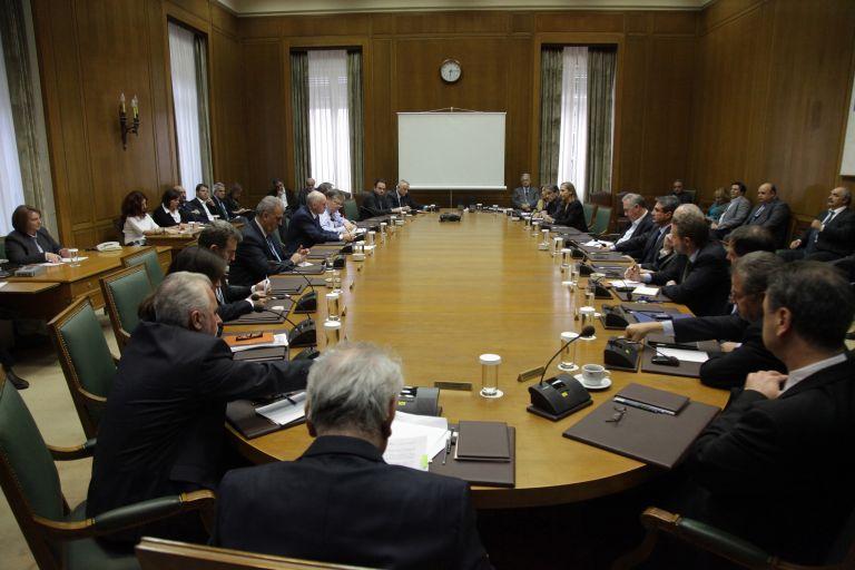 Επιμένει ο Πρωθυπουργός στο δημοψήφισμα – επιφυλάξεις υπουργών   tovima.gr