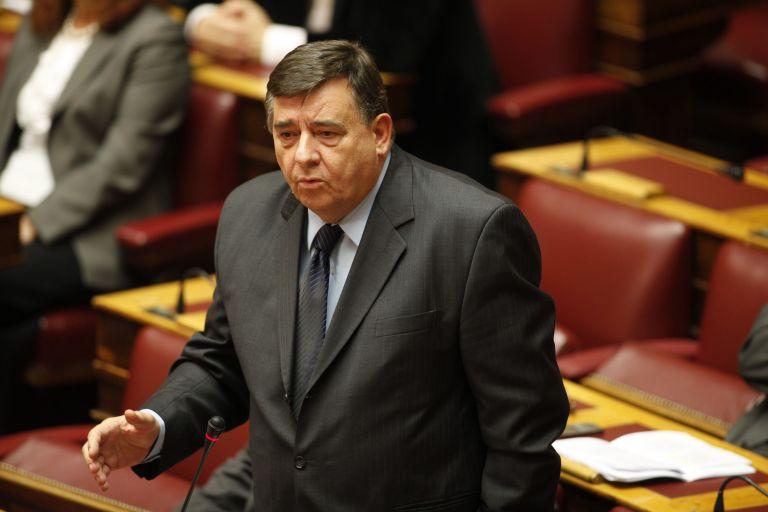 Πλουσιότερος πολιτικός αρχηγός ο Γιώργος Καρατζαφέρης | tovima.gr
