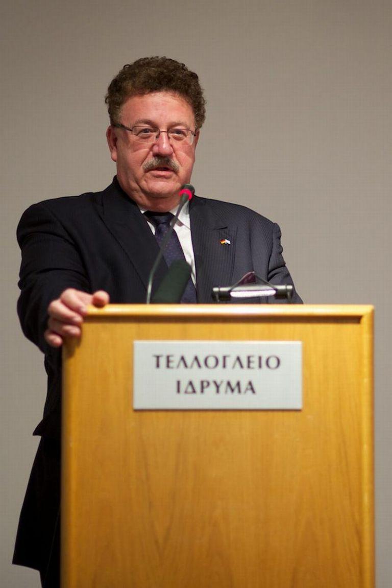 Χ. Φούχτελ: «Ελληνες ελάτε στη Γερμανία να δουλέψετε»   tovima.gr