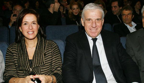 Ελεύθεροι με εγγύηση ο Γιάννος Παπαντωνίου και η σύζυγός του | tovima.gr