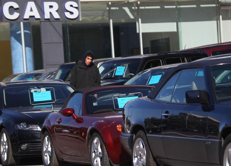 Αρνητικό ρεκόρ 20ετίας στις πωλήσεις αυτοκινήτων στην Ε.Ε. | tovima.gr