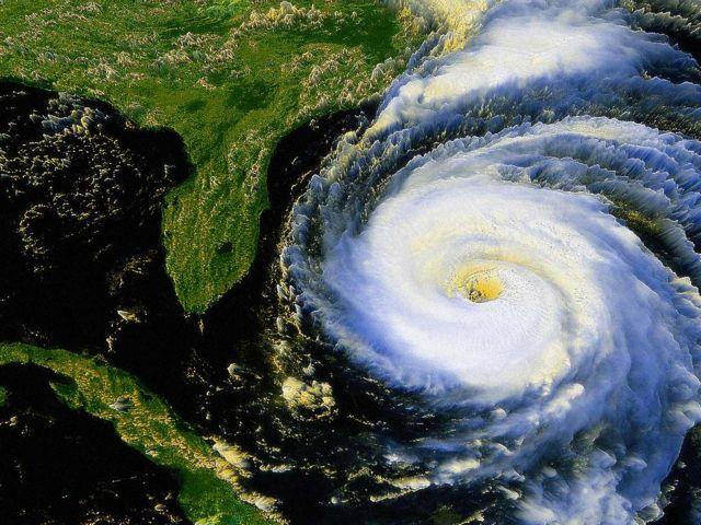 Οι τυφώνες πυροδοτούν σεισμούς; | tovima.gr