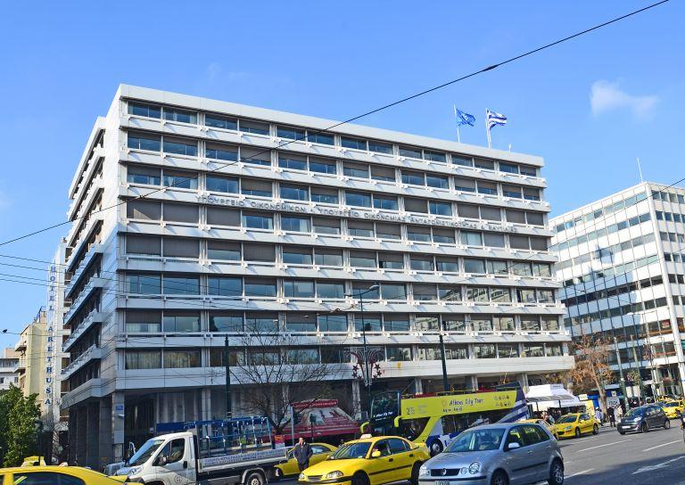 Αύξηση στο έλλειμμα το Μάιο λόγω χαμηλών εξαγωγών και εισπράξεων από τουρισμό   tovima.gr