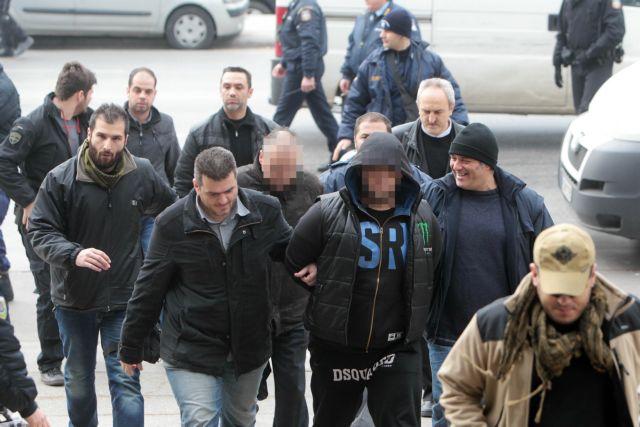 «Εξοφλούνται» δάνεια έναντι απαλλακτικών μαρτυριών | tovima.gr