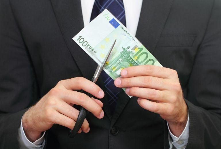 Ερχεται νέο κούρεμα 10% στις κύριες συντάξεις άνω των 1.300 ευρώ | tovima.gr