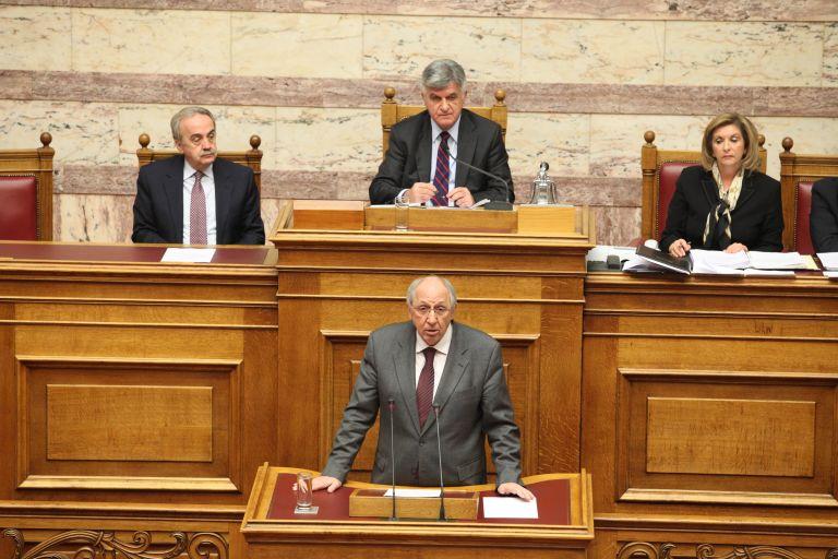 Συμμαχία ΠαΣοΚ, ΣΥΡΙΖΑ και ΔΗΜΑΡ ψήφισε το νομοσχέδιο για τις ψυλακές | tovima.gr