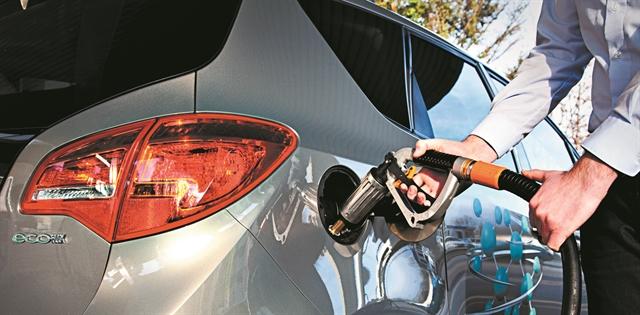 Ρεύμα και φυσικό αέριο στις… αντλίες | tovima.gr