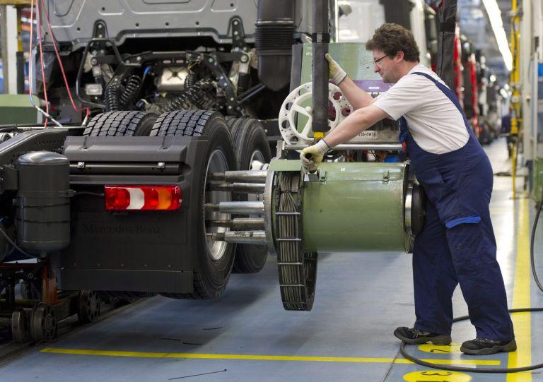 Γερμανία: Επιβράδυνση ανάπτυξης 0,3% στο β' τρίμηνο | tovima.gr