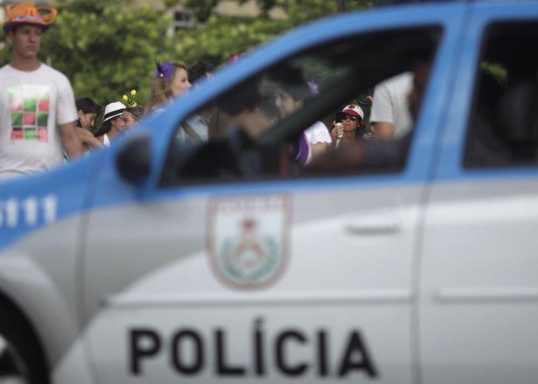 Ρίο: έληξε η απεργία πυροσβεστών και αστυνομικών ενόψει καρναβαλιού   tovima.gr