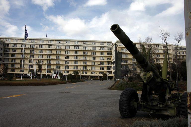 Τα ειδικά μισθολόγια «καίνε» το Υπουργείο Αμυνας | tovima.gr