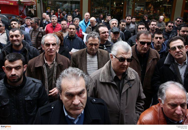 Πώς θα μειωθούν οι μισθοί σε 4.000.000 εργαζομένους του ιδιωτικού τομέα | tovima.gr