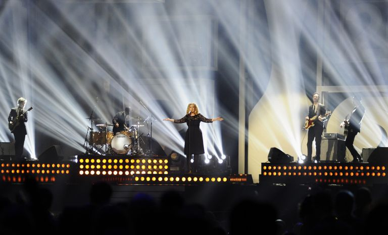 Brit Awards 2012: Οι νικητές | tovima.gr