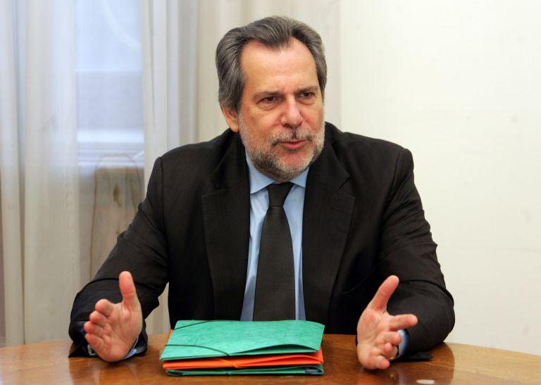 Παραίτηση Παπουτσή από υπουργός Προστασίας του Πολίτη   tovima.gr