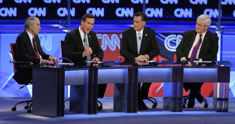Σαντόρουμ και Ρόμνεϊ ενώνουν τις δυνάμεις τους εναντίον του Ομπάμα | tovima.gr