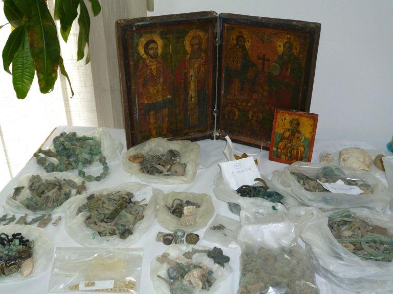Εξαρθρώθηκε μεγάλο κύκλωμα αρχαιοκαπήλων | tovima.gr