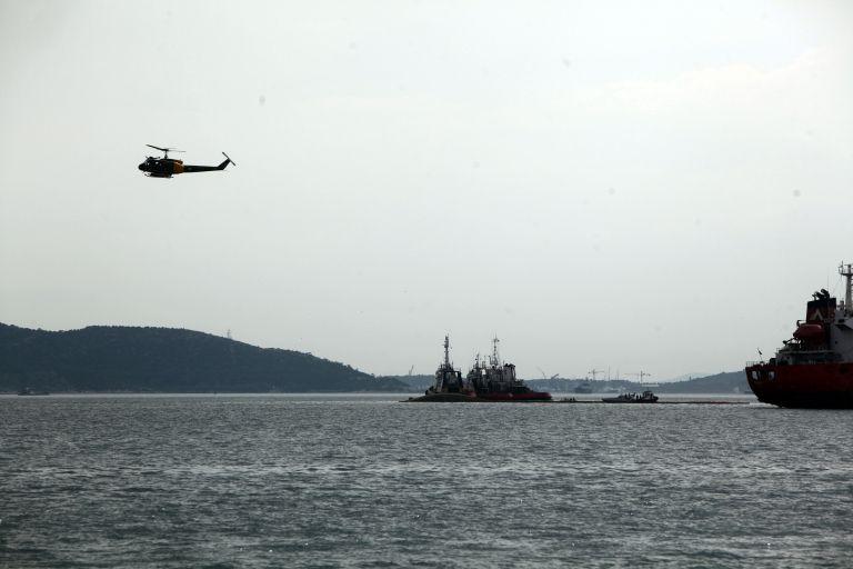 Ναυάγιο στη ράδα της Ελευσίνας – Νεκρός ανεσύρθη ο πλοίαρχος | tovima.gr