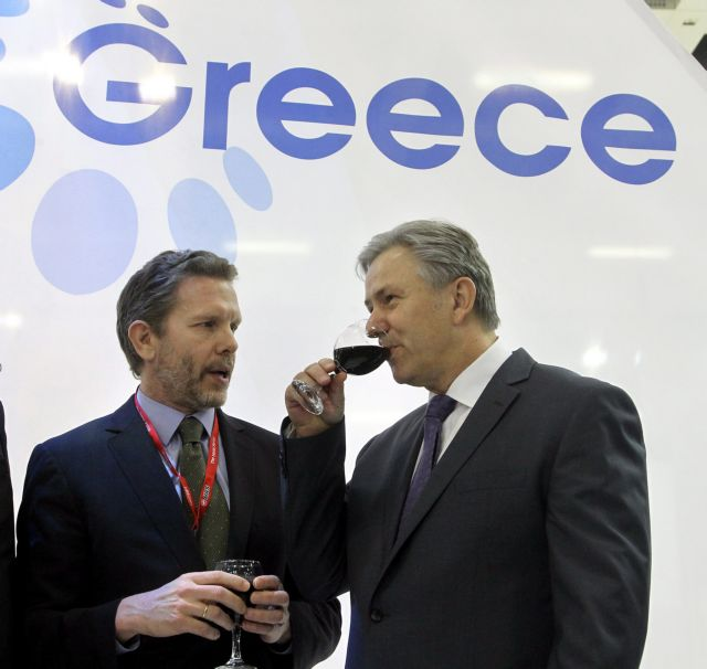 Τουρισμός: Σε «ελεύθερη πτώση» οι κρατήσεις για την Ελλάδα | tovima.gr