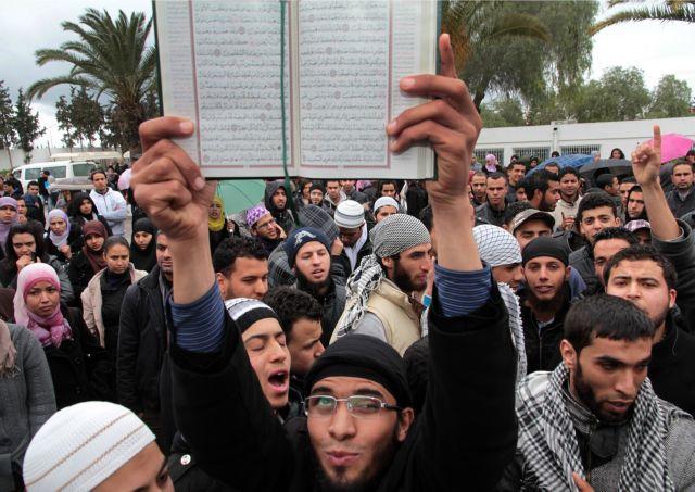 Δυναμώνουν οι ακραίοι σαλαφιστές στην Τυνησία | tovima.gr