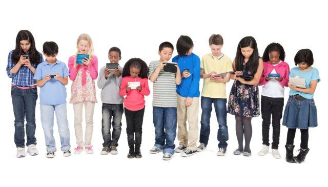 Διαφορετική η online συμπεριφορά των παιδιών | tovima.gr