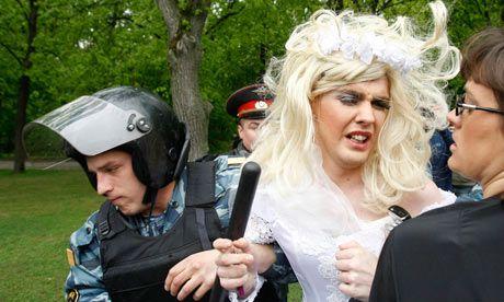 Διχάζει η νέα «ομοφοβική» νομοθεσία της Αγίας Πετρούπολης   tovima.gr