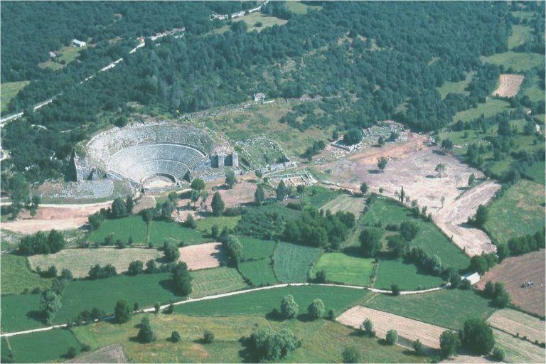 Γρίφος που αναζητεί λύση η συντήρηση του αρχαίου θεάτρου της Δωδώνης | tovima.gr