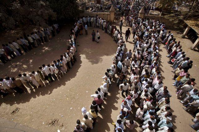 Ινδία: 2,3 εκατομμύρια αιτήσεις για μόλις 368 θέσεις εργασίας | tovima.gr