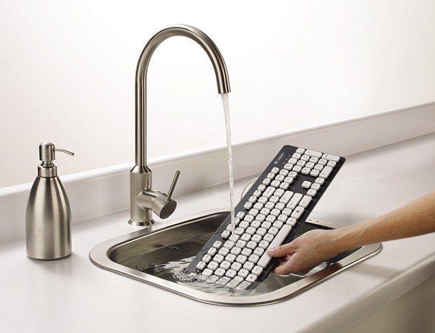 Το πληκτρολόγιο κάτω από τη βρύση! | tovima.gr
