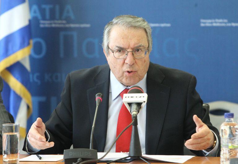 Γ. Μπαμπινιώτης: «Εχουν διευθετηθεί όλα τα θέματα των Πανελλαδικών» | tovima.gr