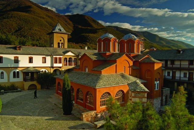 Ενα «χειροποίητο» μοναστήρι στις Σέρρες | tovima.gr
